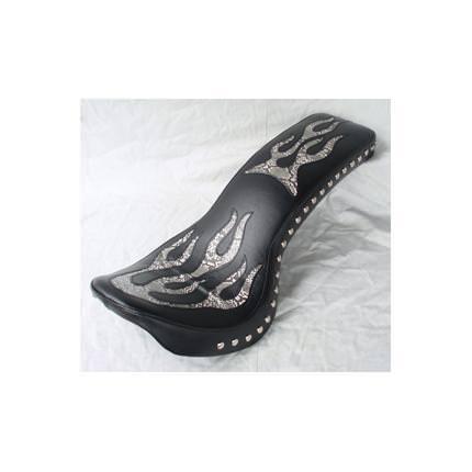コブラシート ファイヤー(白蛇柄) Wスタッド 黒レザー アメリカンドリームス マグナ250