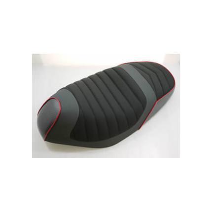 ブラック+カーボンローダウンシート パイピング赤 DCR(ディーシーアール) アドレスV125(ADDRESS)