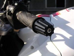YZF-R1ハンドル回り TAGU(田口製作所)ハンドルエンド ロング M6 ブラック